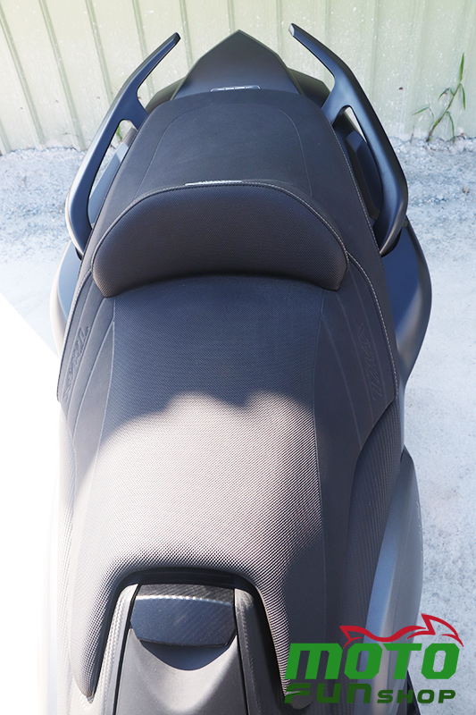 TMAX 實車照 椅墊