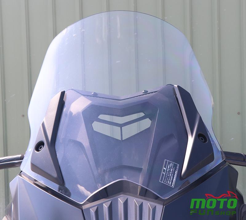 TMAX 實車照 風鏡
